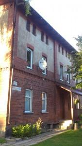 stoties aptarnaujančio personalo pastatas2