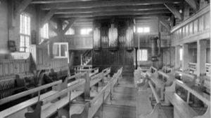 Tipiškas menonitų bažnyčios interjeras.