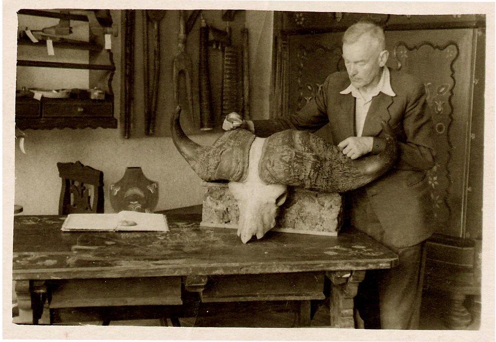 Martynas Toleikis Šilutės etnografinio muziejaus vyriausias preparatorius.