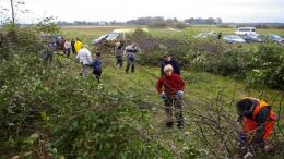 Šyšgirių (Šilutės r., Kintų sen.) senųjų kapinių tvarkymo darbai. 2011 m. spalio mėn.