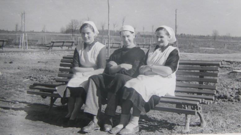 Pirmieji ligoninės slaugytojai.