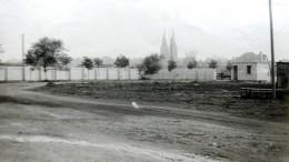 Jau žvilgsnis per tvorą. 1958 m.