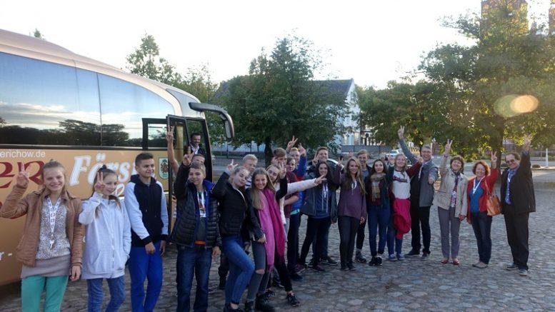 Šilutiškiai svečius iš Tangermundės supažindino su Švėkšna.  Jiems čia patiko.