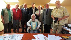 Iniciatyvinės paminklo Vydūnui statymo grupės nariai 2012 metų rugsėjo mėnesį. Vydūno draugijos nuotrauka.