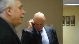 Seimo narys A.S.Nausėda ir jo padėjėjas V.Dylertas.