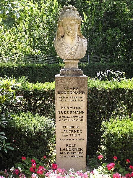 H. Zudermano, jo žmonos ir Rolfo Lauknerio ir E. Laukner paminklas Griunewalde.