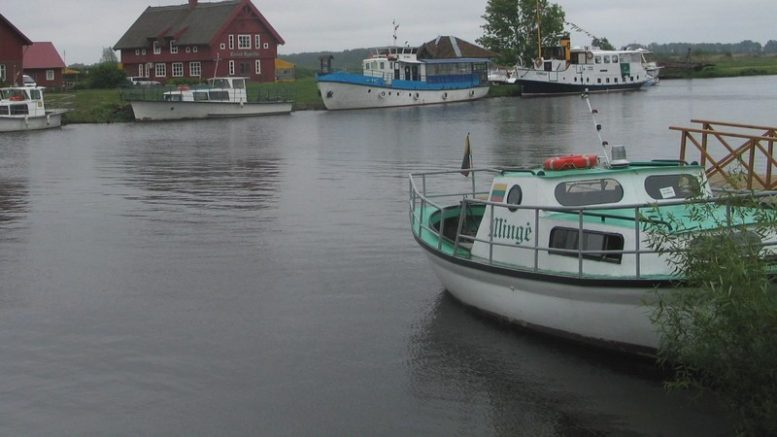Minijos kaimas, laivai ir prieplaukos.