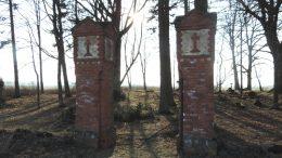 Miestalių kapinės.