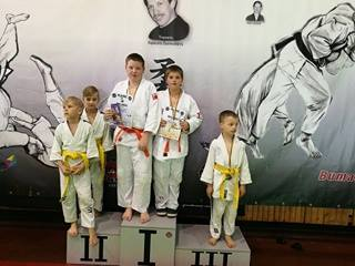 Jaunieji Šilutės dziudo kovotojai medalininkai.