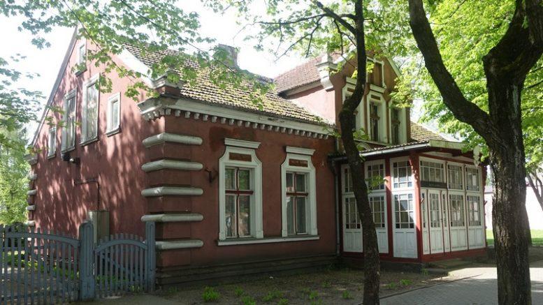 Viešam aukcionui rengimasis išstatyti kultūros paveldo objektą - tarpukaryje buvusius arklių pirklio namus.