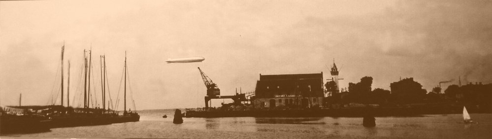 Grafas Zeppelin ties žiemos uostu 1930 m. rugsėjo 24) d Lietuvos Jūrų muziejaus vaizdų rinkinys.