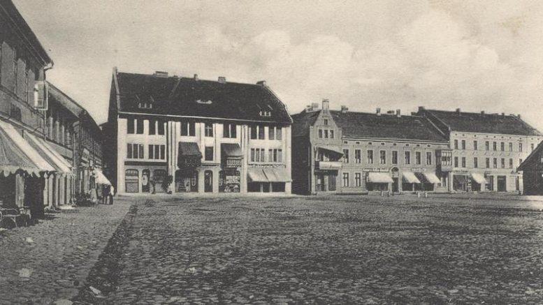 Šilokarčemos turgaus aikštė, kur nuo 1853 m.  ir galėjo būti minėta vaistinė.