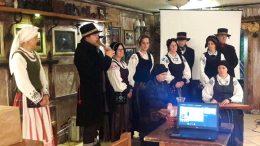 """Mažajai Lietuvai atstovavo folkloro ansamblis """"Ramytė"""" iš Šilutės."""