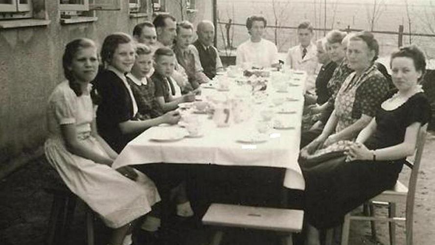 1921 m. Klaipėdos (Mėmelio) krašto Dumpių kaimo lietuvininkų-šišioniškių Milkeraičių šeimos Kaffee Getränke.