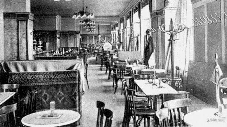 """Toks galėjo būti """"Germania"""" viešbučio restorano interjeras."""