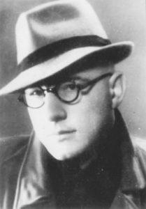 B.Krivickas Vilniaus universiteto studentas - apie 1943 m.