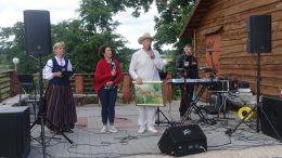 Ūkininkai iš Kalnalio kaimo - Ilona ir Toma Griškai pasakoja sodybos istoriją.