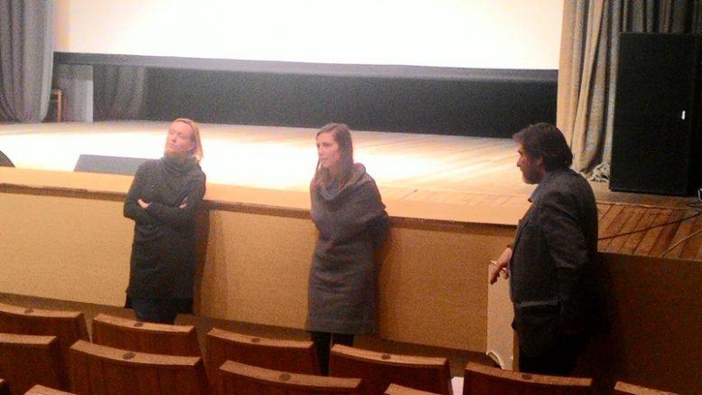 """Susitikimas su kino filmo """"Kvėpavimas į marmurą"""" kūrėjomis. Iš kairės  G.Beinoriūtė, D.Vildžiūnaitė ir S.Sodonis."""