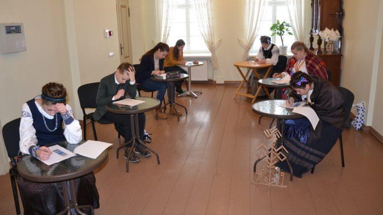 Moksleiviai varžėsi istoriniame Šilutės H.Šojaus dvare.