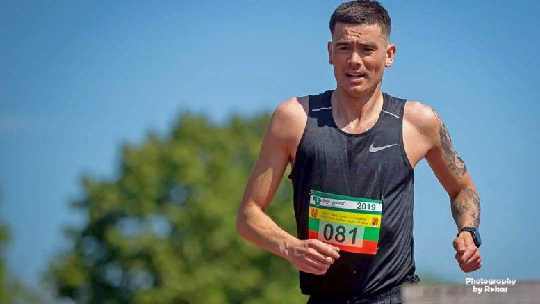 """Ultramaratonininkas, daugkartinis 100 km čempionas, vilkytiškis Ruslanas Seitkalijevas. Nuotrauka: """"Photography by Rokas"""""""