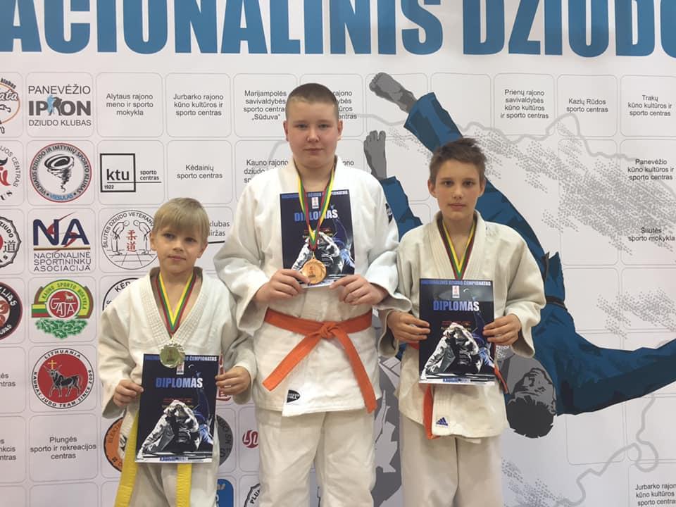 Nugalėtojai: (iš kairės): Benas, Mantas ir  Domas.