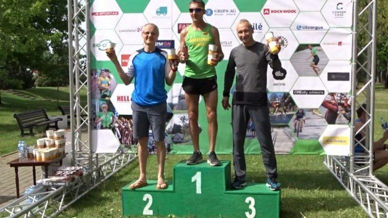 """Šilutiškis Romas Škadauskas pirmajame """"Mažosios Lietuvos"""" bėgime iškovojo III vietą."""