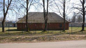 Išlikęs karo belaisvių laikų pastatas, kuriame norima įrengti istorijos pažinimo centrą. 2019 m. Fotografavo Ignas Giniotis.