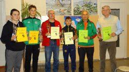 R. Damulis ir M. Deveikis - II vieta (pirmi iš kairės), G.Valančius ir L. Raugevičius - rajono stalo teniso dvejetų čempionai, J. Piekautas ir Algis Mykolas Šaulys - III vieta.